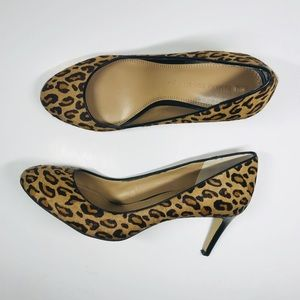 🌺Banana Republic Animal print pumps 8